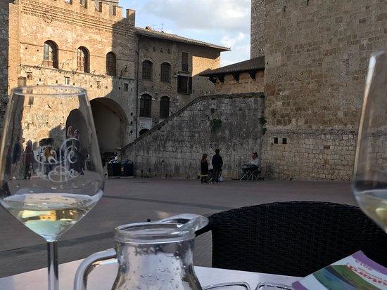 Castel San Gimignano, Italie : photo0.jpg