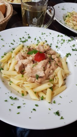 Mosbach, Tyskland: Cream pasta with turkey meat.
