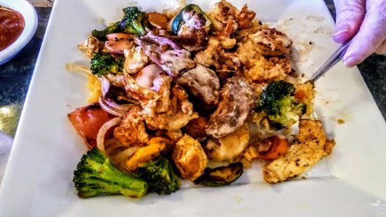 El Tequila: Santa Fe dish: Grill shrimps, chicken, beef and vegetables.