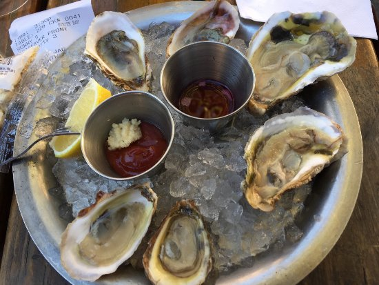 Hank's Oyster Bar: Delicious fresh oysters!