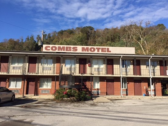 Hazard, KY: Don't judge a book by its cover! This motel is a great value.....