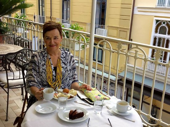 Hotel del Corso : A fabulous verandah and breakfast to start each day in relaxed style!!