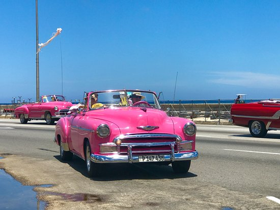 Old Cars Havana 1952 Pink Chevy Deluxe