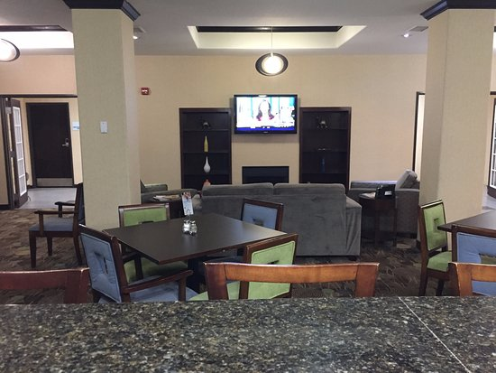 Okmulgee, OK: Holiday Inn Express - breakfast room