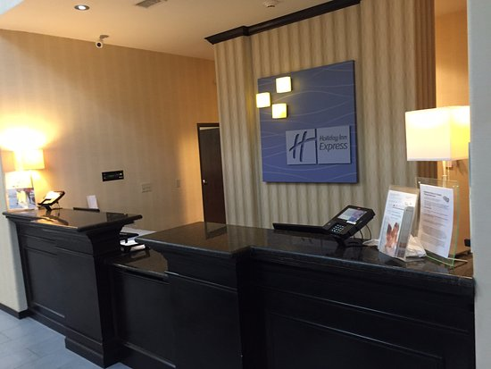 Okmulgee, OK: Holiday Inn Express - check in desk