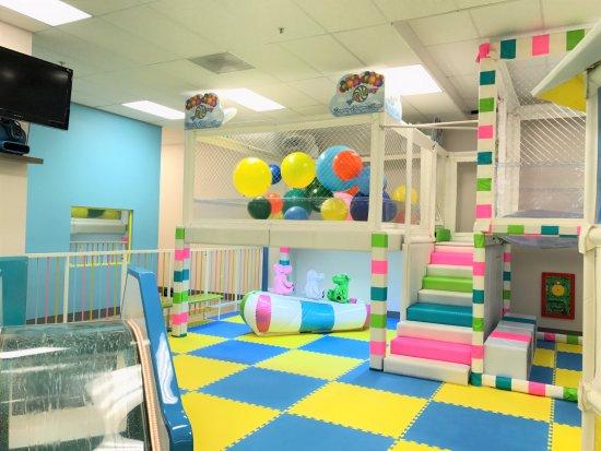 San Bruno, CA: Dancing Balloons room