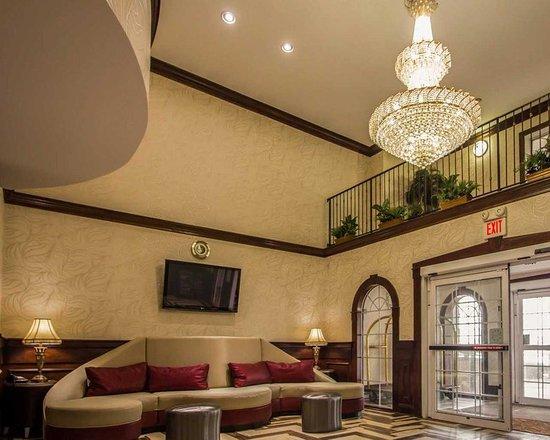 North Bergen, NJ: Lobby