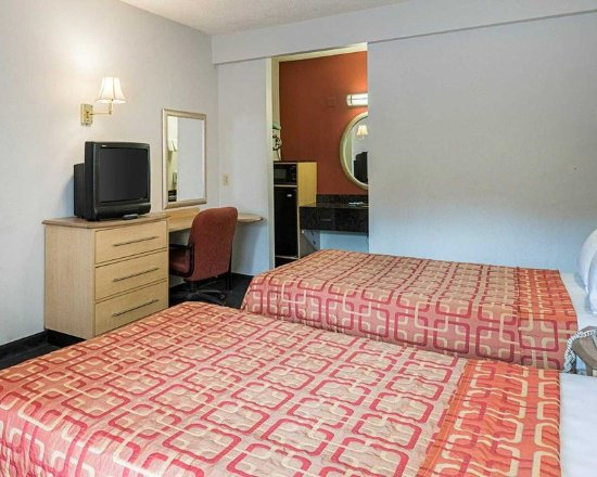 LaVale, MD: Guest Room
