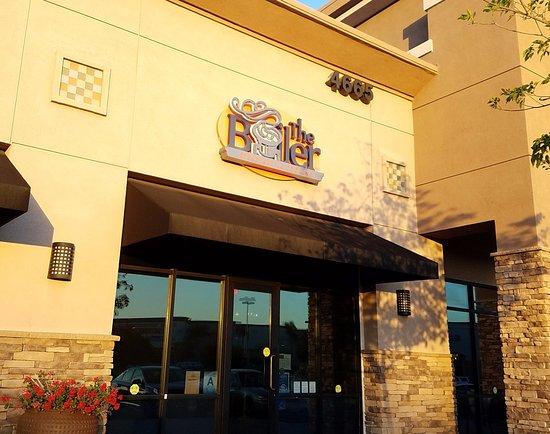 Chino Hills, CA: Restaurant Front