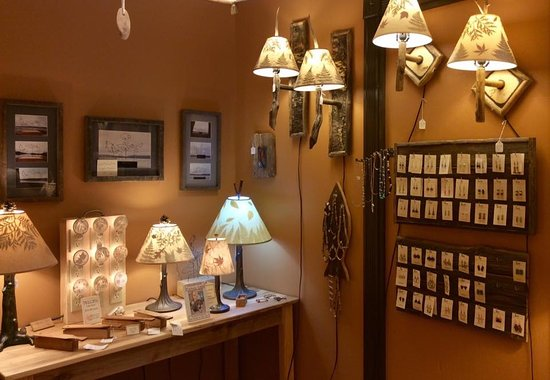 Chestertown, NY: Northeast Living Lights showroom