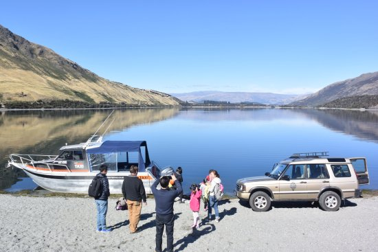 ‪Wanaka Water Taxi and Wanaka 4x4 Explorer‬