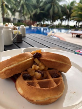 Waffles by the pool at Mio