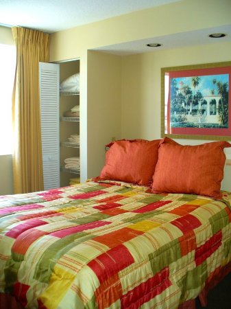 Vacation Village at Bonaventure: Superior Queen Suite