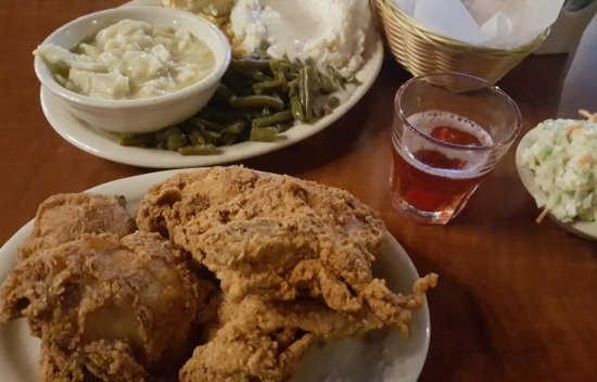 Giant City State Park Lodge & Restaurant: ALL YOU can eat fried chicken