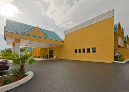 Econo Lodge Busch Gardens: Exterior