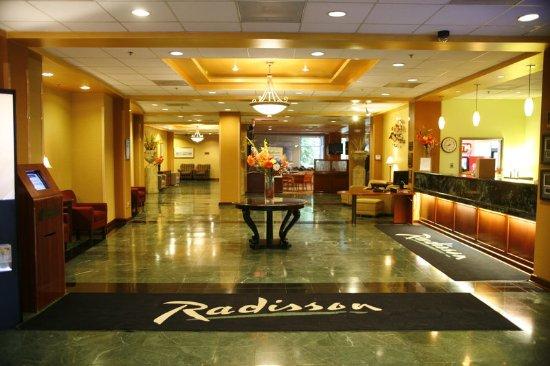 Piscataway, NJ: Lobby