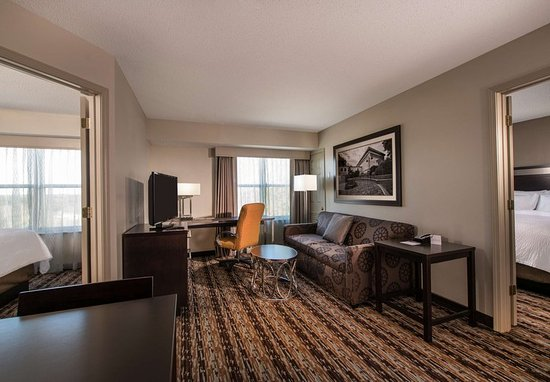 Franklin, MA: Two-Bedroom Suite