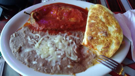 Clemmons, NC: Chicken quesadilla was wonderful, but Chile Relleno was too wet and bland.