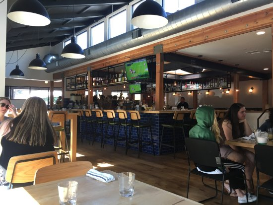 Waterdog Tavern, Belmont - Restaurant Reviews, Phone ... - photo#20