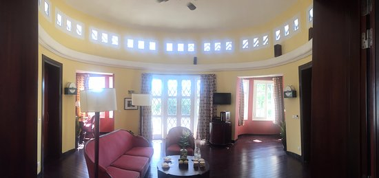 La Residence Hue Hotel & Spa: Living Room of the Suite du resident