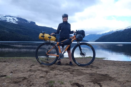 Cordillera Bike Rental & Tours: Bike packing through Lago Faulkner