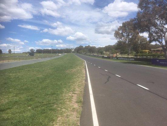 Bathurst, Australia: Road