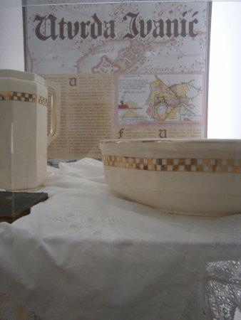Ivanic Grad, Hırvatistan: Permanant display - things people donated to the museum