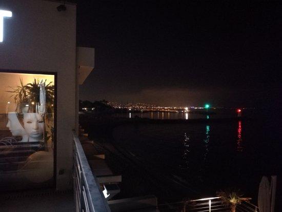 Villa Azur: Beautiful night view