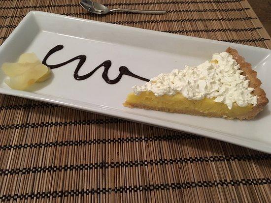 Einfach köstlich!! Bester Kuchen auf Bali - Picture of AKUA Bali ...