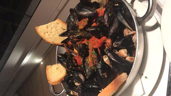Ristorante Bagno 69 Cesenatico : Cozze col pomodoro picture of ristorante riviera cesenatico