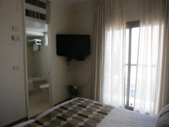 阿爾蒙哈亞爾康飯店照片