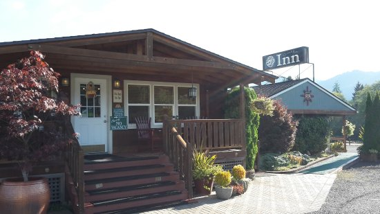 Quinault River Inn Photo