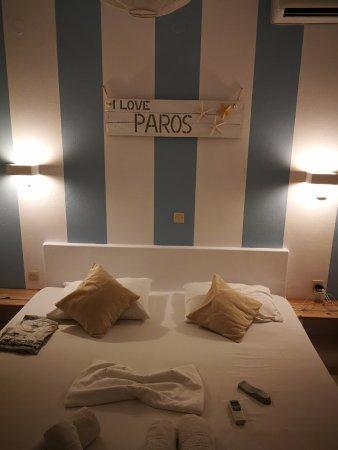 camera da letto con letto in muratura, nell\'appartamento al ...