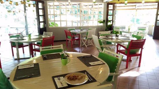 Kota Kinabalu District, Malaysia: 戶外餐廳,早餐