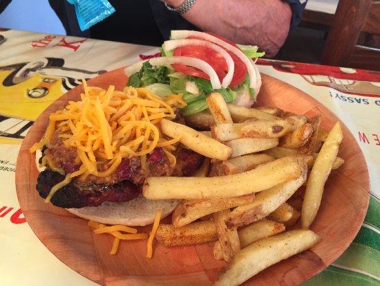 Seagrams Bar and Grill: Burger