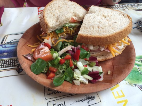 Seagrams Bar and Grill: Sandwich