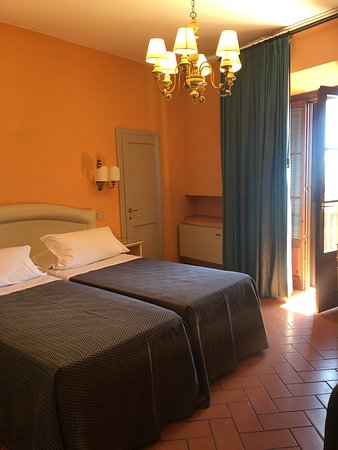 La Cisterna Hotel: photo0.jpg