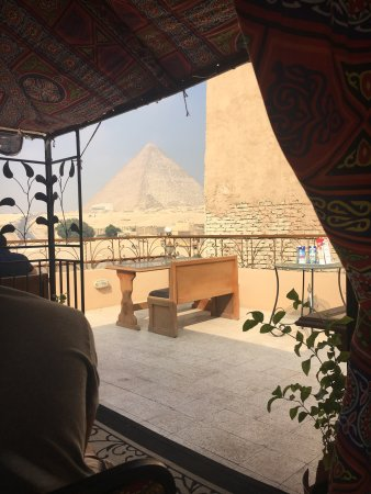 Pyramids View Inn: Beautiful view and exceptional service