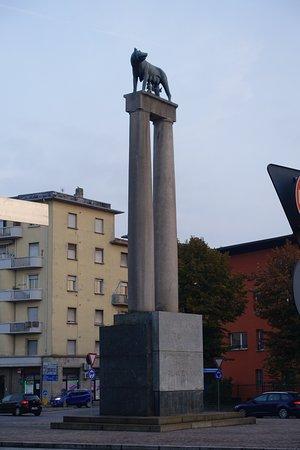 Romulus Remus Statue