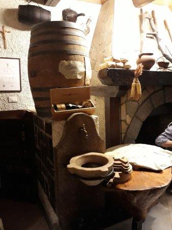 La tana del lupo: La fontana del vino