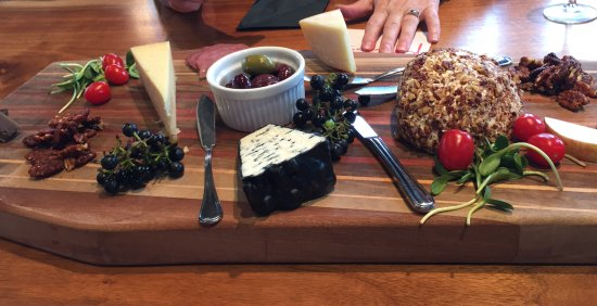 Grey County, Canada: Our nuts and cheese board.