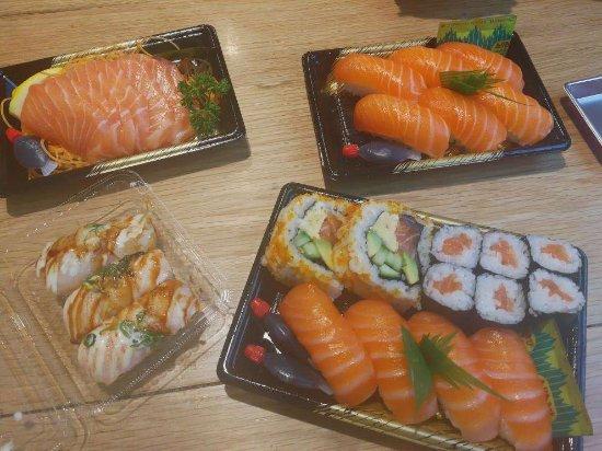 Sushi Sashimi Nigiri Buffet Picture Of Sushi Hub Swanston Melbourne Tripadvisor
