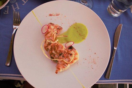 Theo's Seafood Restaurant: Beautiful fresh swordfish dish
