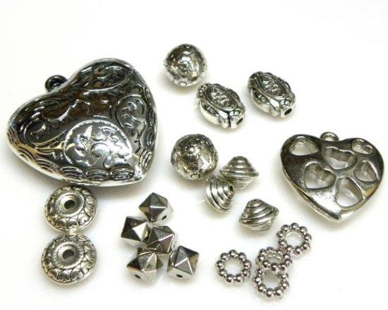 La Bigiotteria di Pitterl Claudia: Perle, distanziatori e pendenti in argentone