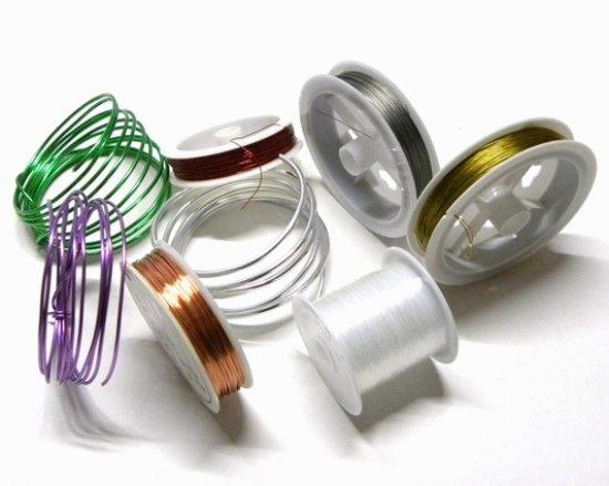 La Bigiotteria di Pitterl Claudia: Fili, cavetti, cotone, allumini e nylon per realizzare bijoux
