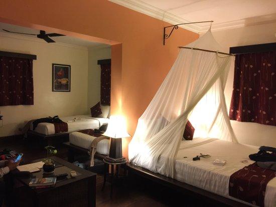 Pavillon Indochine Hotel: Repas délicieux, piscine cosy et chambre hyper confortable
