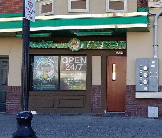 Ducktown Tavern & Liquors