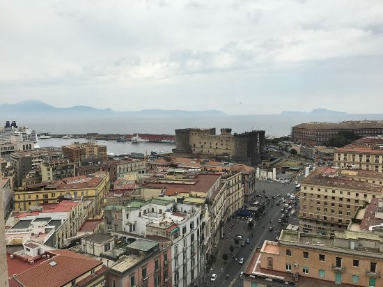 NH Napoli Ambassador: Dalla finestra della nostra camera