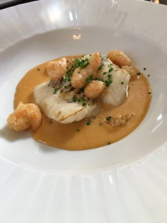 Abergavenny, UK: Turbot with mylor prawns and lobster bisque