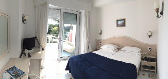 Hotel La Vega: Vista geral do quarto.
